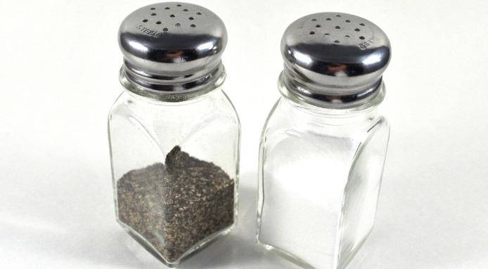 l_3453_salt.and.pepper.shaker-1-
