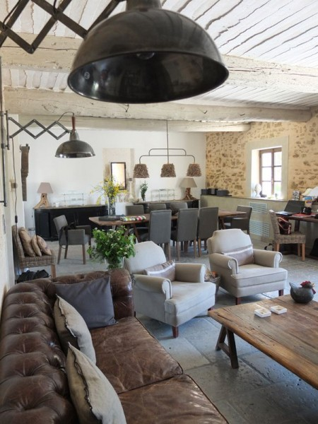 how-to-achieve-industrial-living-style-through-furniture