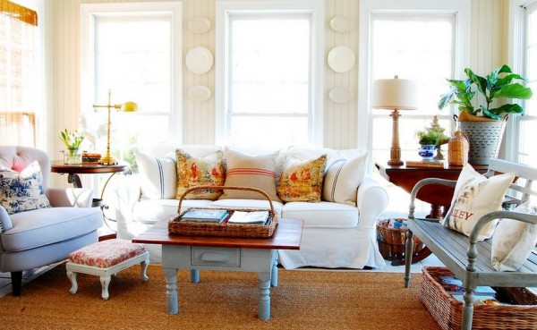 plates-on-wall-cottage-living-room