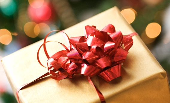 111130_DX_ChristmasGiftWrapped.jpg.CROP.rectangle3-large